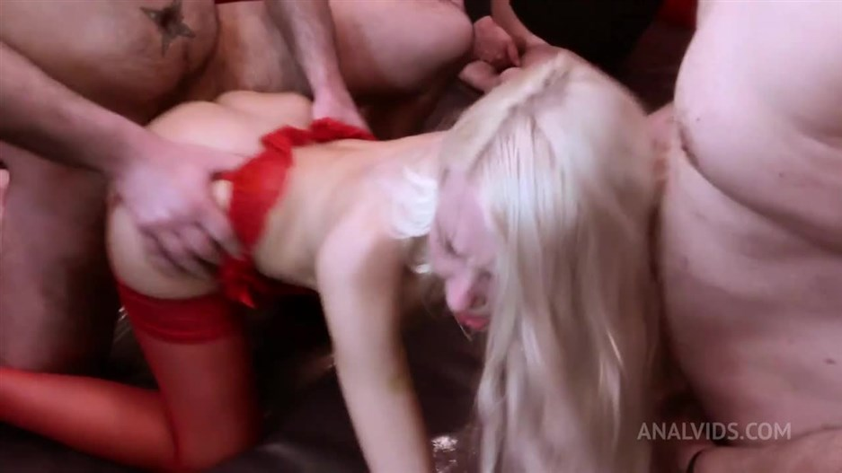Helena Moeller - Gangbang With 15 Men: Anal And DP HMS023