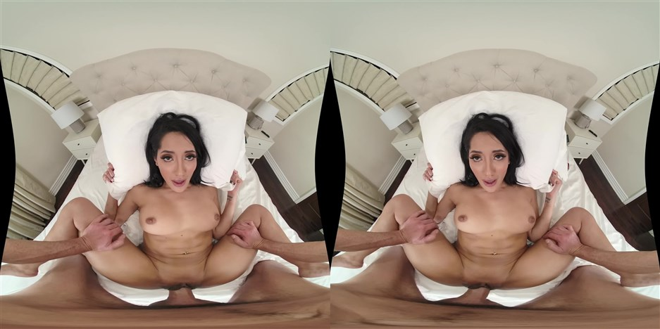 MilfVR presents Shower Me With Love – Chloe Amour (MP4, 3840×1920, UltraHD/2K)