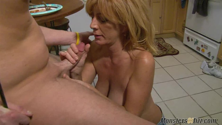 Mom Loves To Eat Cum 2020, MonstersOfJizz, Cum shots, MILF, Teen, 720p