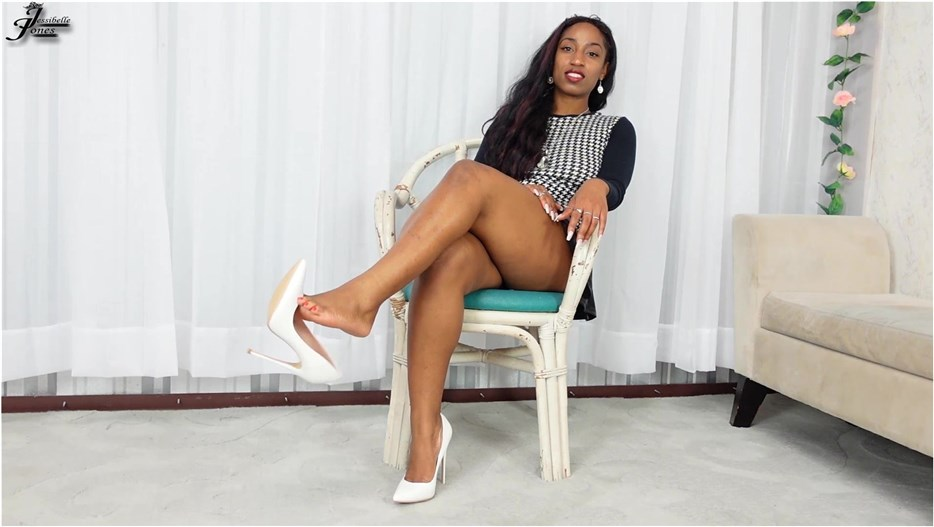 Empress Jess - dangling my white shoe - pornevening.com